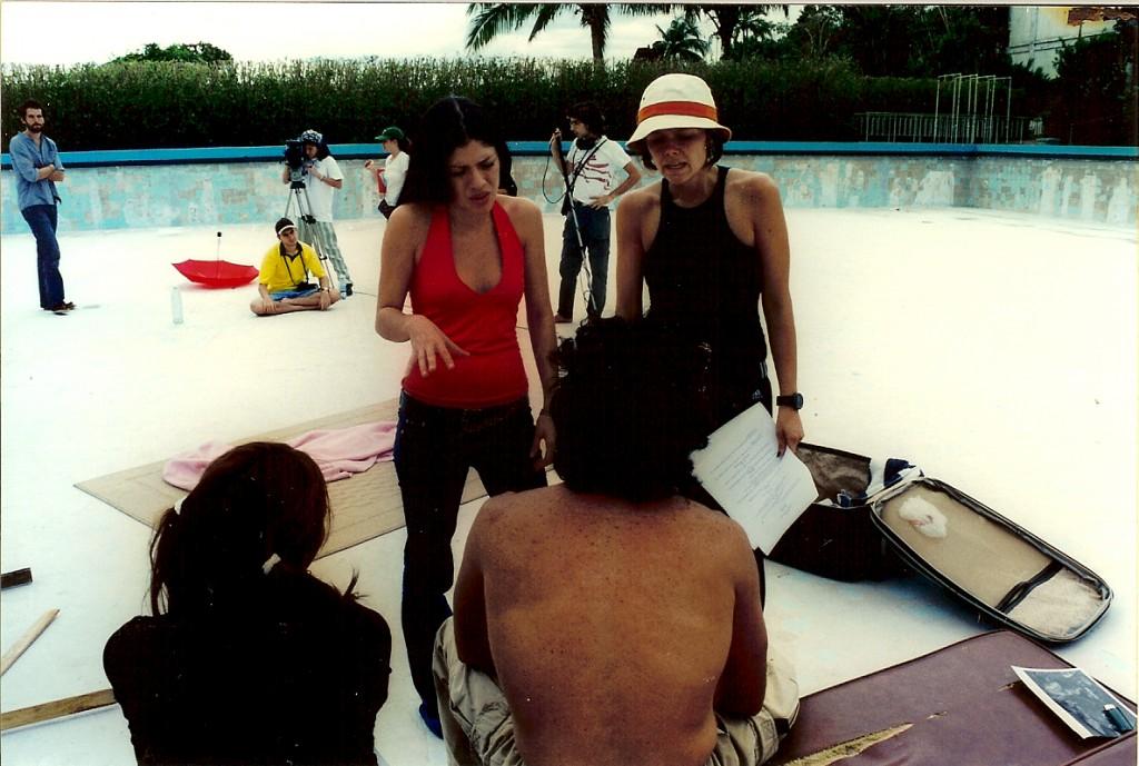 Dirigindo os atores com uma amiga de El Salvador, Maura