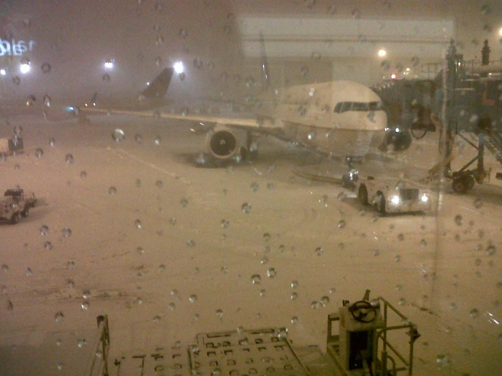 O meu ex-avião camuflado na neve